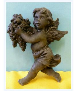 Aniołek z winogronami