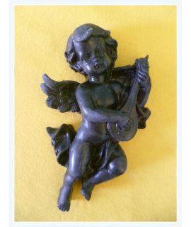 Aniołek grający na mandolinie