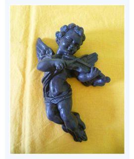Aniołek grający na skrzypcach