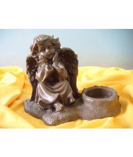 Znicz kopciuch aniołek siedzący