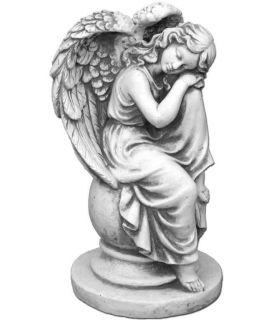 Anielica na kuli