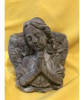 Modlący się anioł-doniczka