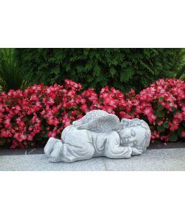 aniołek śpiący na brzuszku