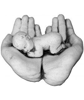 dzieciątko na dłoniach do odlewu