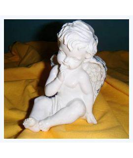 Aniołek z raczką przy brodzie
