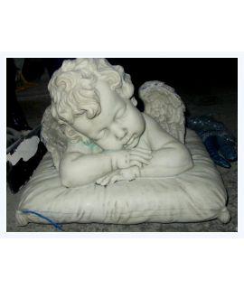 Aniołek na poduszce