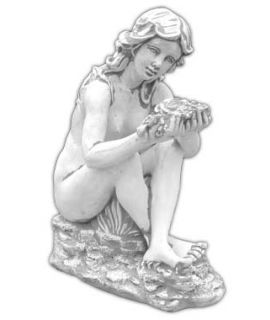 Kobieta trzymajaca kwiat