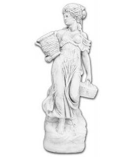 Kobieta z koszami na skale