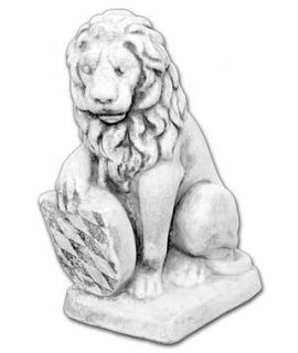 Mały lew siedzący z tarczą lewy