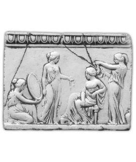 Płaskorzeźba cztery kobiety